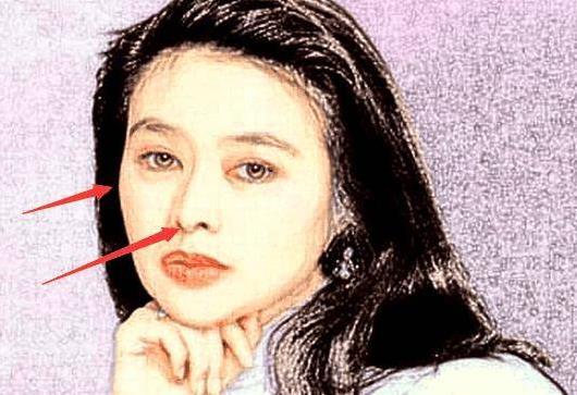 小心眼女人的典型特征,嘴唇薄的女人喜欢斤斤计较