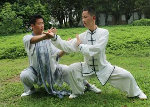 咏春拳创始人是哪位,按照叶问的说法是严咏春