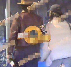 马思纯张哲轩街边搂抱引热议 粉丝:还没分手