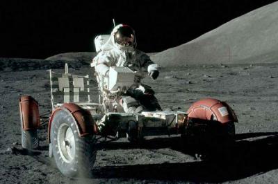 人类为什么不再登月了:登月耗资巨大(可利用价值不高)
