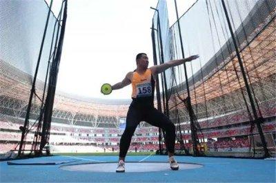 男子铁饼世界纪录:74.08米(美国运动员舒尔特创造)