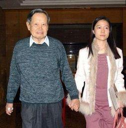 杨振宁的妻子翁帆多大了
