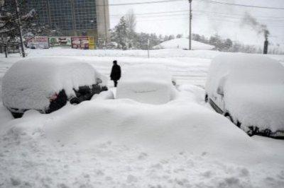 为什么下雪不冷化雪冷:下雪释放热量(化雪吸收热量)