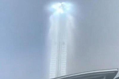 沈阳天空出现巨型光柱:有实景不是幻像(云隙光)