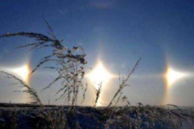 漠河上空出现三个太阳:幻日(罕见的大气光学现象)
