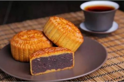 中秋节月饼都有什么馅:蛋黄月饼味道好(五仁月饼最经典)